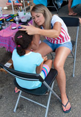 photo:  Pretty face painter